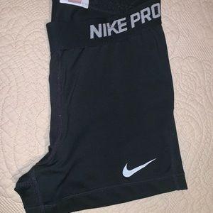 Nike Pro's Medium